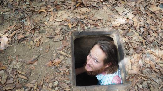 Entrée des tunnels, mieux vaut avoir le gabarit des Viets